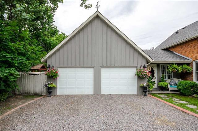 Detached at 17 Frances St N, Barrie, Ontario. Image 12