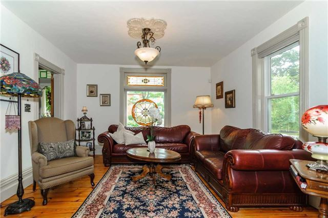 Detached at 17 Frances St N, Barrie, Ontario. Image 19