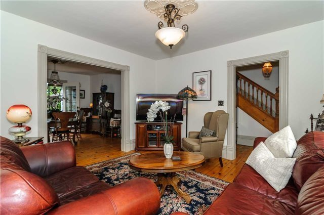 Detached at 17 Frances St N, Barrie, Ontario. Image 20