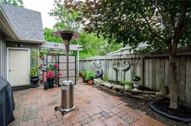Detached at 17 Frances St N, Barrie, Ontario. Image 7