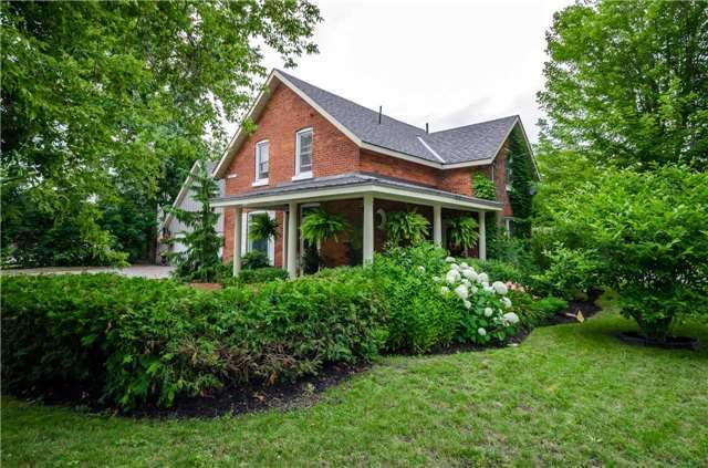 Detached at 17 Frances St N, Barrie, Ontario. Image 9