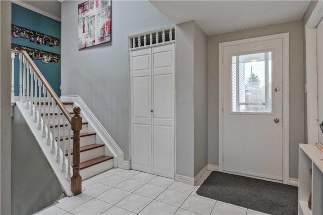 Detached at 38 Sinclair Crt, Barrie, Ontario. Image 12