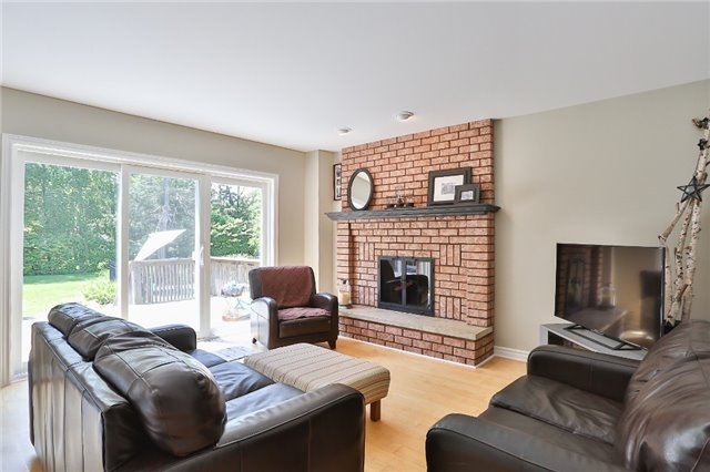 Detached at 11 Winter Crt, Springwater, Ontario. Image 19