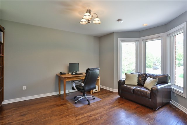 Detached at 11 Winter Crt, Springwater, Ontario. Image 20