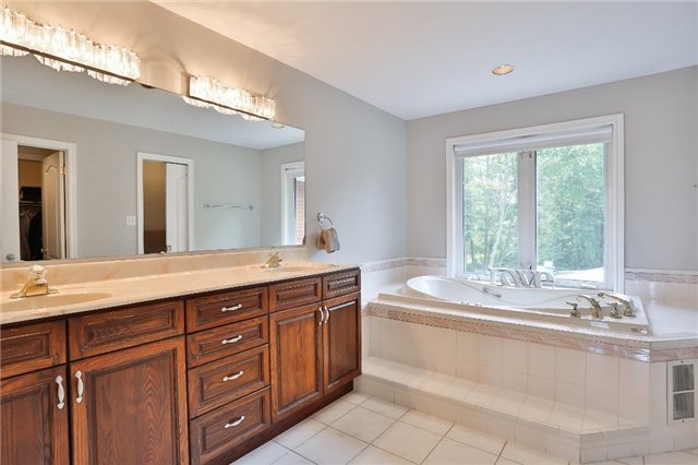 Detached at 11 Winter Crt, Springwater, Ontario. Image 3