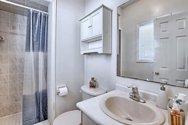 Detached at 55 Penvill Tr, Barrie, Ontario. Image 6