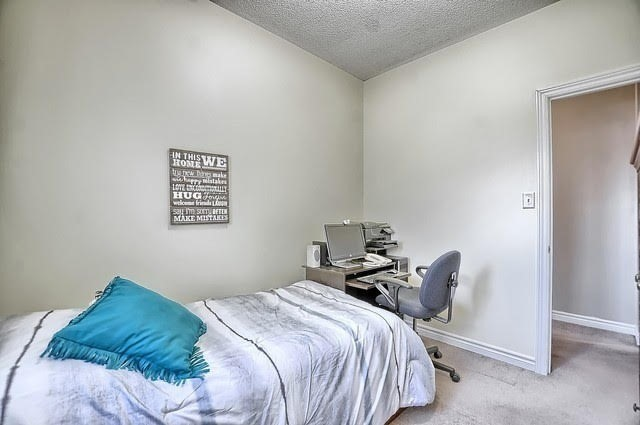 Detached at 55 Penvill Tr, Barrie, Ontario. Image 7