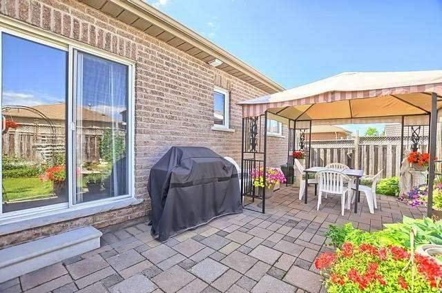 Detached at 55 Penvill Tr, Barrie, Ontario. Image 11