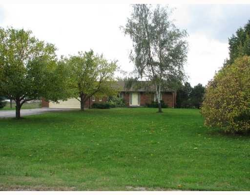 Detached at 12890 County Rd 27 Rd, Springwater, Ontario. Image 2