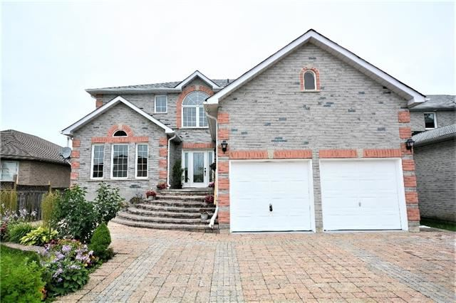 Detached at 8 Cheltenham Rd, Barrie, Ontario. Image 12