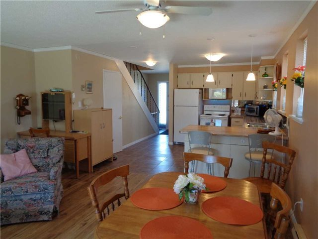 Condo Townhouse at 1 Paradise Blvd, Unit Unit 27, Ramara, Ontario. Image 17