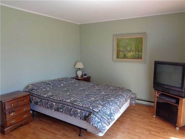 Condo Townhouse at 1 Paradise Blvd, Unit Unit 27, Ramara, Ontario. Image 5
