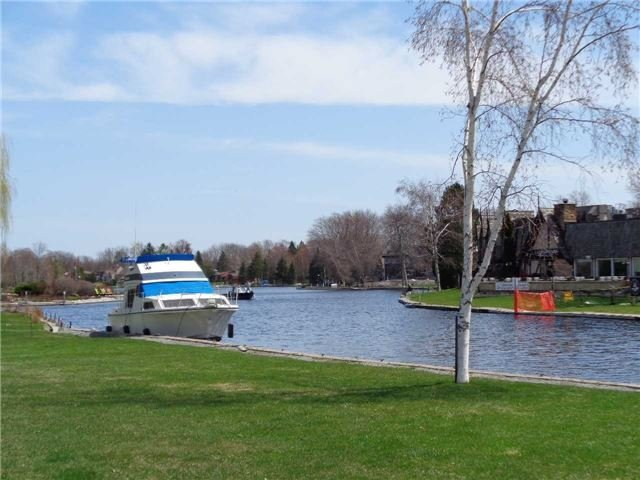 Condo Townhouse at 1 Paradise Blvd, Unit Unit 27, Ramara, Ontario. Image 13