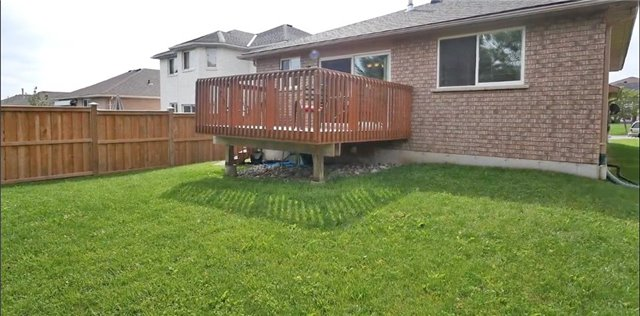 Detached at 10 Forest Dale Dr E, Barrie, Ontario. Image 15