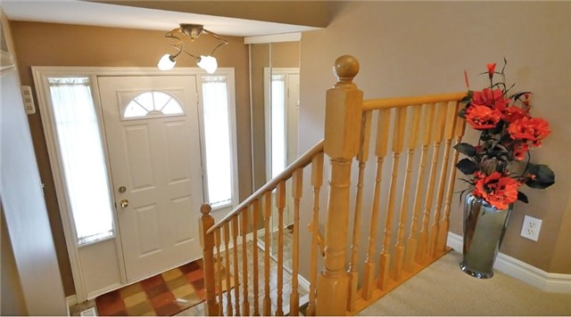 Detached at 10 Forest Dale Dr E, Barrie, Ontario. Image 17