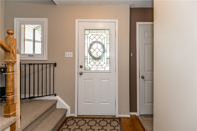 Detached at 60 Hadden Cres, Barrie, Ontario. Image 14