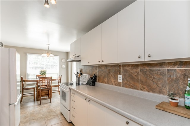Detached at 60 Hadden Cres, Barrie, Ontario. Image 17