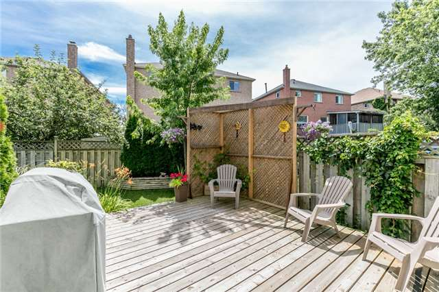 Detached at 60 Hadden Cres, Barrie, Ontario. Image 10