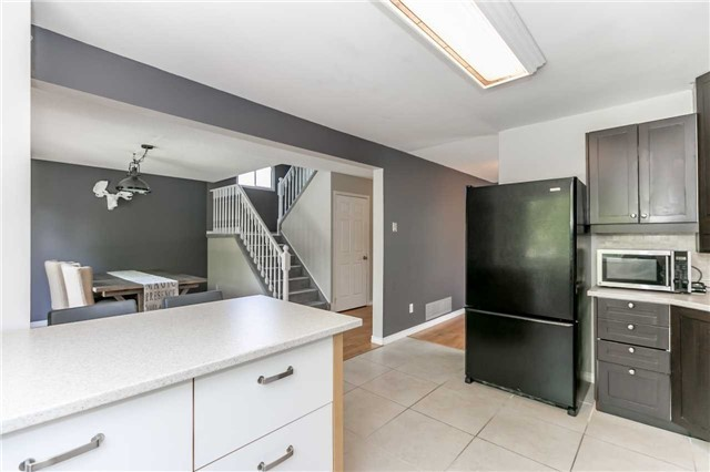 Detached at 332 Hickling Tr, Barrie, Ontario. Image 18