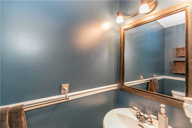 Detached at 332 Hickling Tr, Barrie, Ontario. Image 7