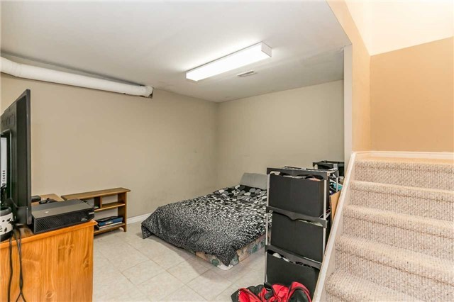 Detached at 332 Hickling Tr, Barrie, Ontario. Image 8