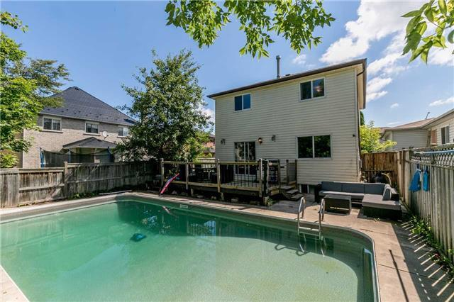 Detached at 332 Hickling Tr, Barrie, Ontario. Image 13