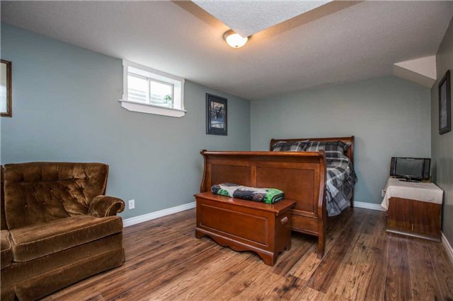 Detached at 9 Palling Lane, Barrie, Ontario. Image 2