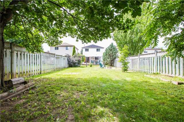 Detached at 9 Palling Lane, Barrie, Ontario. Image 5