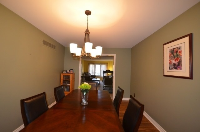 Detached at 502 Grove St E, Barrie, Ontario. Image 2