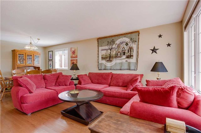 Detached at 35 Butternut Dr, Barrie, Ontario. Image 11