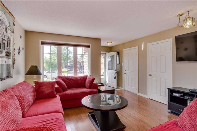 Detached at 35 Butternut Dr, Barrie, Ontario. Image 12