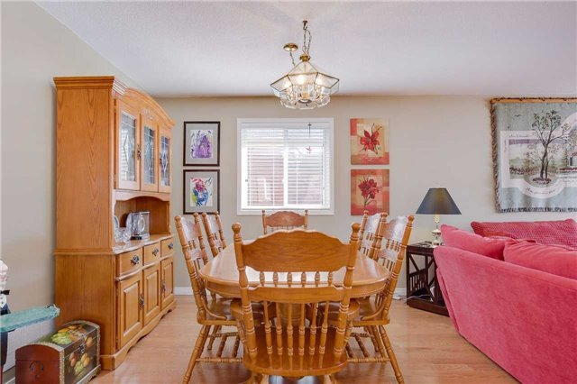 Detached at 35 Butternut Dr, Barrie, Ontario. Image 13