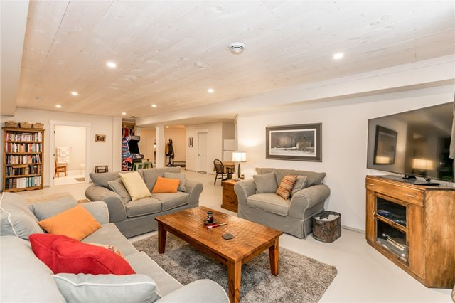 Detached at 83 Goldfinch Cres, Tiny, Ontario. Image 5