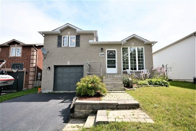 Detached at 209 Columbia Rd, Barrie, Ontario. Image 1