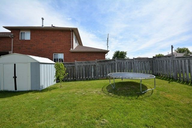 Detached at 209 Columbia Rd, Barrie, Ontario. Image 6