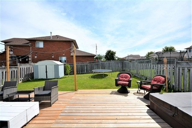 Detached at 209 Columbia Rd, Barrie, Ontario. Image 9