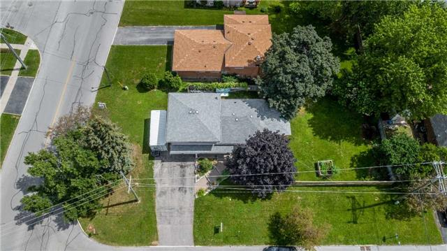 Detached at 37 Lay St, Barrie, Ontario. Image 15