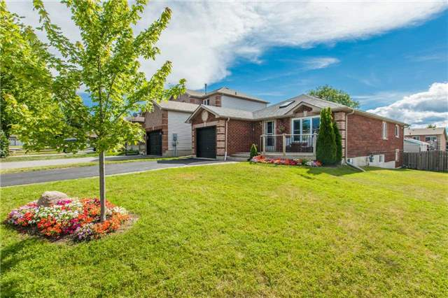 Detached at 212 Columbia Rd N, Barrie, Ontario. Image 15
