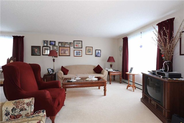 Detached at 3 Hickling Tr, Barrie, Ontario. Image 2