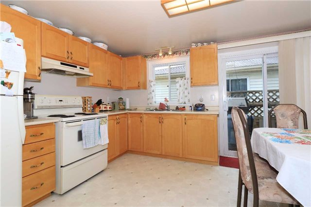 Detached at 3 Hickling Tr, Barrie, Ontario. Image 4