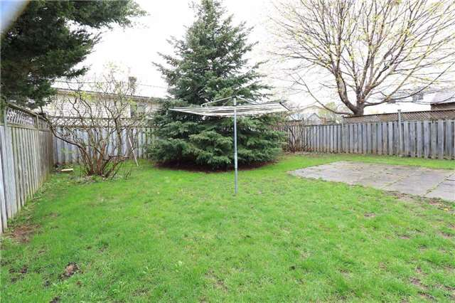 Detached at 3 Hickling Tr, Barrie, Ontario. Image 8