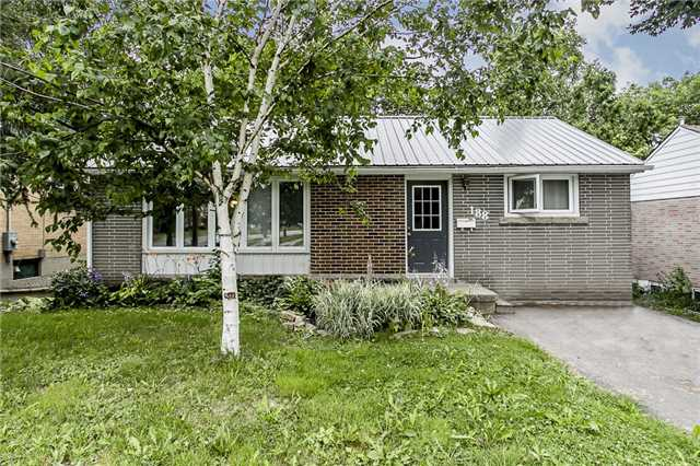 Detached at 188 St Vincent St, Barrie, Ontario. Image 1