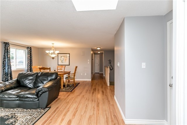 Detached at 8 Twiss Dr, Barrie, Ontario. Image 14