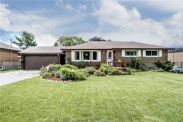 Detached at 219 Warnica Rd, Barrie, Ontario. Image 1