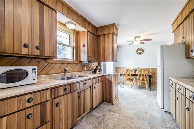 Detached at 219 Warnica Rd, Barrie, Ontario. Image 4