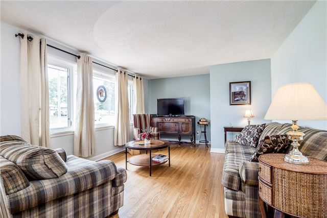 Detached at 219 Warnica Rd, Barrie, Ontario. Image 5