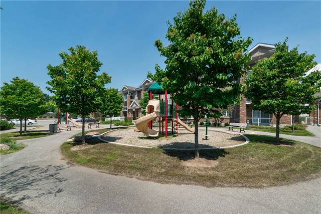 Condo Apartment at 39 Coulter St, Unit 13, Barrie, Ontario. Image 6