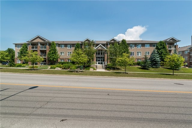 Condo Apartment at 39 Coulter St, Unit 13, Barrie, Ontario. Image 8