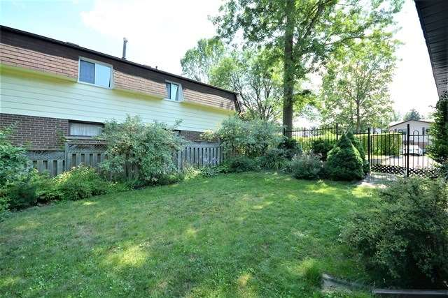 Detached at 27 Farmingdale Cres, Barrie, Ontario. Image 11