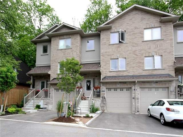 Townhouse at 376 Blake St, Unit 11, Barrie, Ontario. Image 1